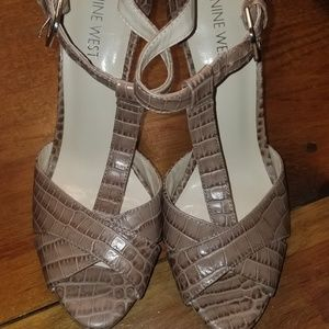 NWOT WOMENS NINE WEST HEELS CROCODILE SIZE 8